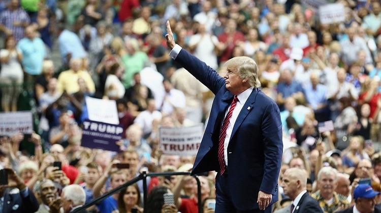 Donald-Trump-rally-web