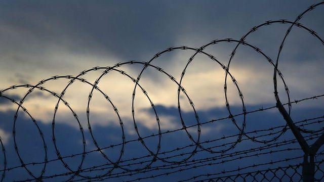prison_barbed_wire_617722440